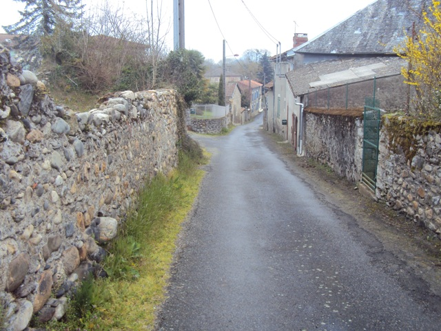 The road to the caves starting at Aventignan.