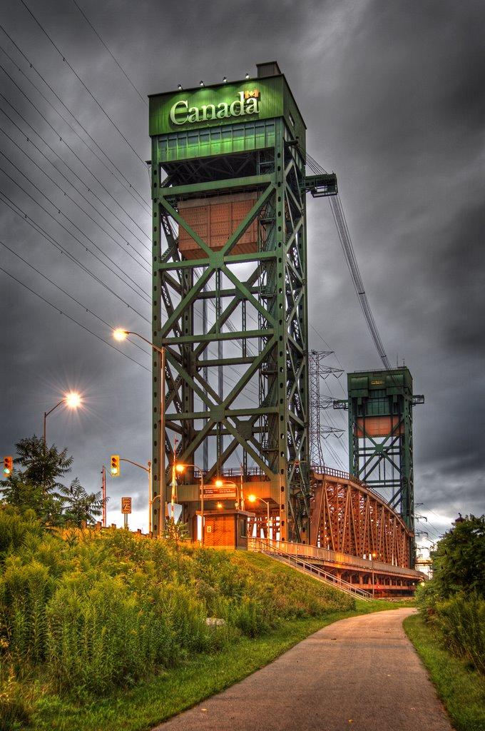 18-10-01 IMAGE Burlington Canal bridge