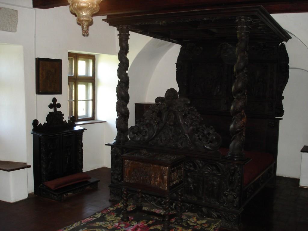 07-05-15 A Bran Castle Gallery pic 7